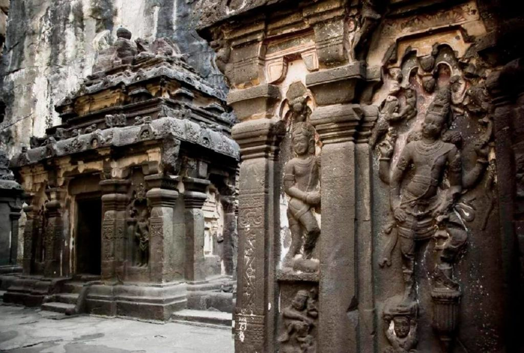 This Temple Was Carved Out Of A Single Rock – Nobody Knows How 'The Builders' Made It 16