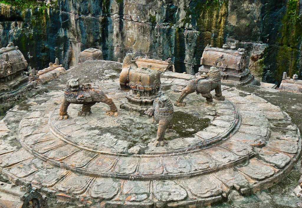 This Temple Was Carved Out Of A Single Rock – Nobody Knows How 'The Builders' Made It 14