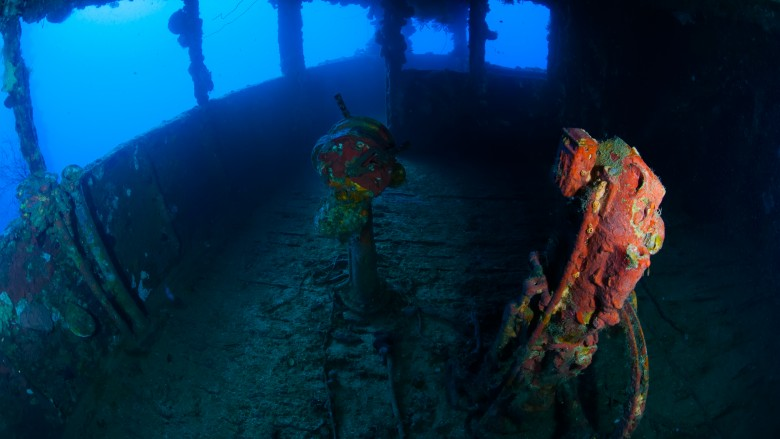Strangest things people have found underwater 16