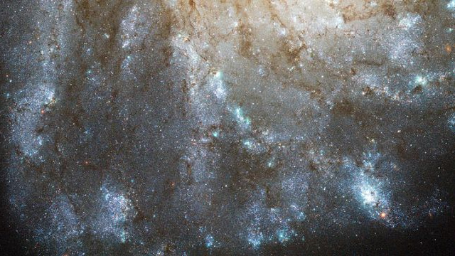 There's a mysterious glow in this galaxy 20