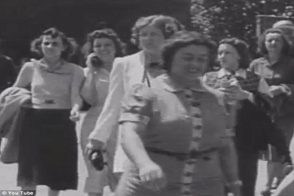 Is this the world's first cell phone? Film from 1938 shows a woman talking on a wireless device…  55