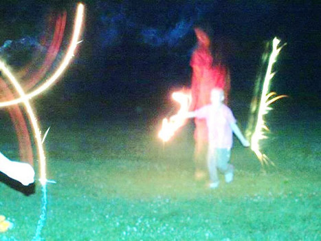 Ohio child battling cancer photographed with ghostly figure 95