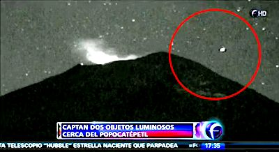 UFO flies into Mexico's Popocatepetl volcano 1