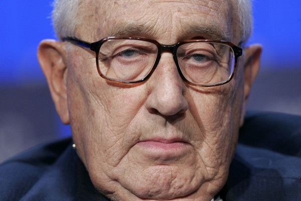 Henry Kissinger : Those Who Reject the New World Order are Terrorists 1
