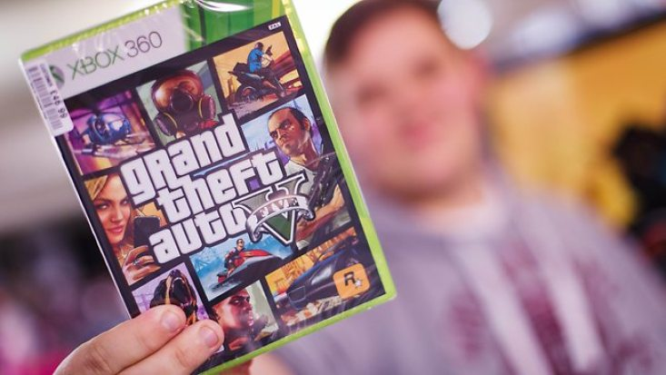Man stabbed and robbed of Grand Theft Auto V (UK) 1