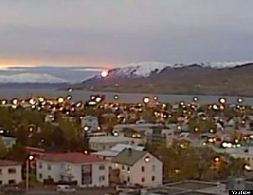 UFO 'fireball' filmed slowly falling from sky in Akureyri, Iceland 113