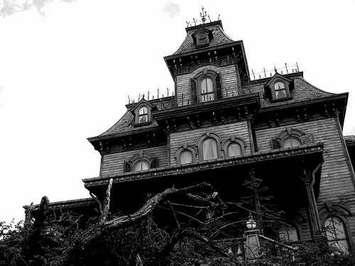 When Ghosts Attack: 8 Signs Your House Is Haunted  102