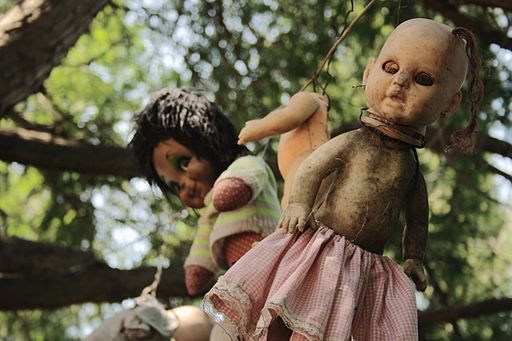 Welcome to the Island of the Dolls, the Creepiest Place in Mexico 37