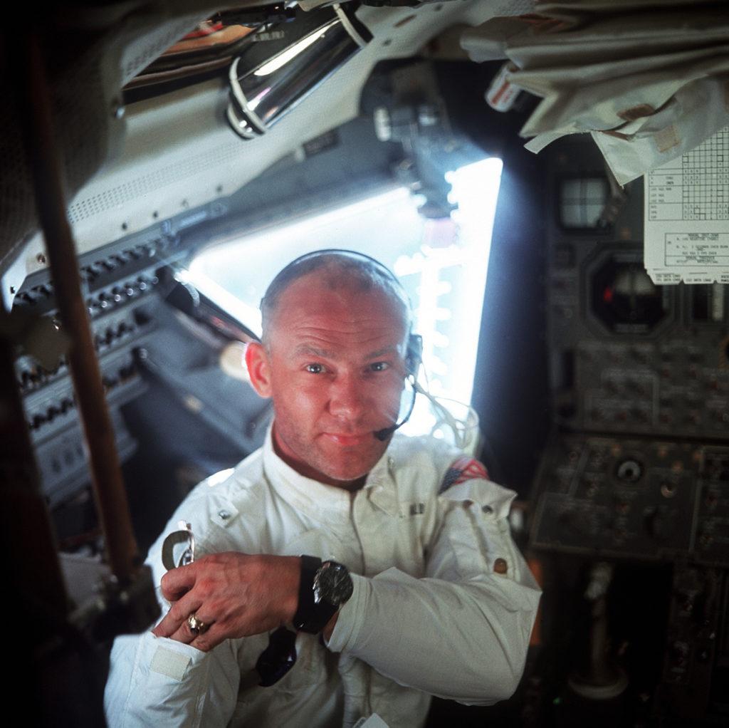 NASA astronauts recall UFO encounters 8