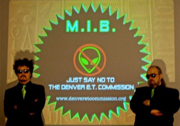 Bryan_&_Baxter_at_the_Denver_Art_Museum