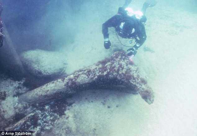 Swedish divers unearth Stone Age 'Atlantis' relics 25