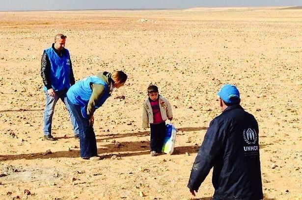 "Media caught manipulating photo of ""alone"" Syrian boy in desert 86"