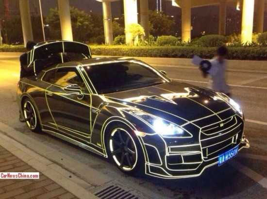TRON-Like Reflective Supercars Are the Newest Thing in China 1
