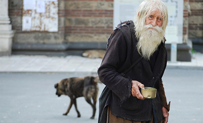 99-Year-Old Man Begs Every Day And Donates All To Orphanage 1