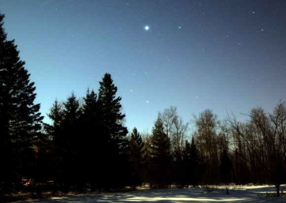For skywatchers at mid-northern latitudes, Sirius is the bright, often flashing star in the southern sky at nightfall. Credit: Bob King