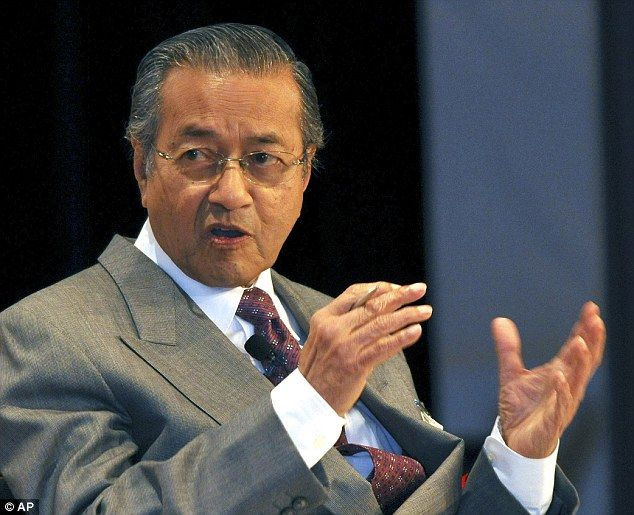 'Planes don't just disappear': Former Malaysian Prime Minister accuses CIA of covering up what really happened to flight MH370 7