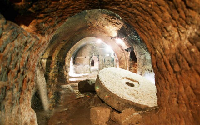 Massive Underground City Discovered Beneath House-Could Accommodate Over 20,000 People-13 Stories Deep, 13,000 Air Shafts and Much More 13