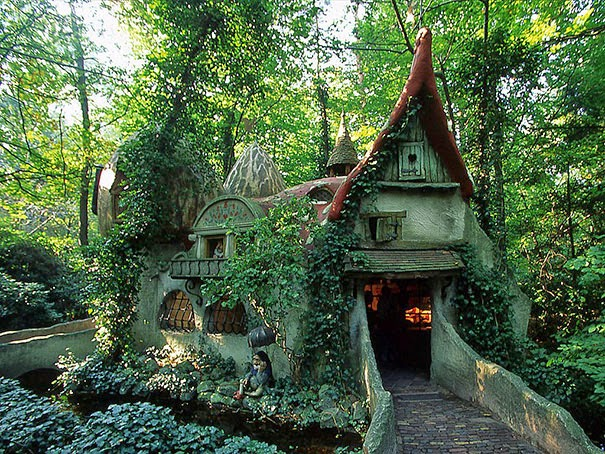 magical-fairy-tale-houses-dreamlike-architecture-7