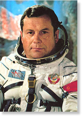 Pilot and cosmonaut Pilot and cosmonaut Pavel Popovich and UFOs  89