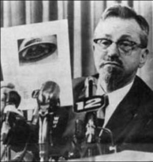 Dr. Allen Hynek ufo