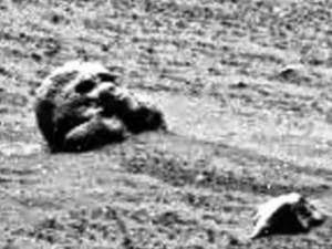 Extraterrestial Alien Bases on the Moon and Mars? 158