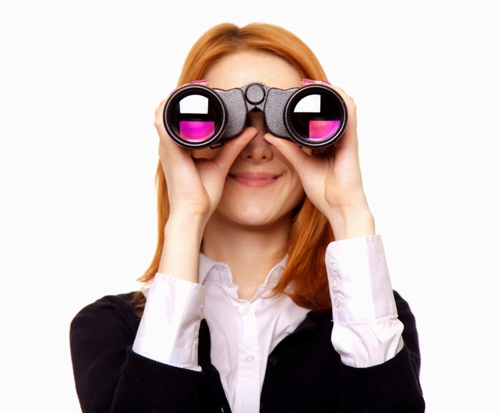 02 woman binoculars