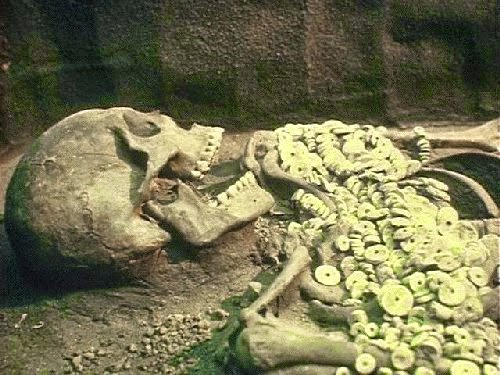The Great Smithsonian Cover-Up: 18 Giant Skeletons Discovered in Wisconsin  94