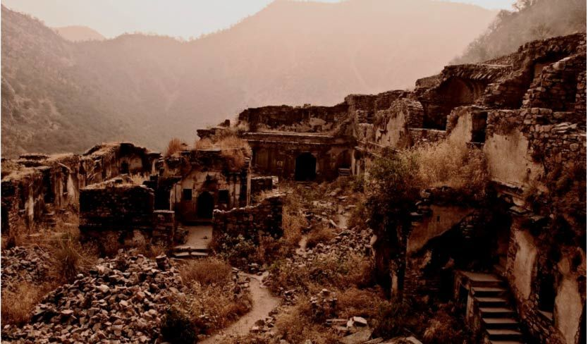 The ghost city of Bhangarh and the curse of the Holy Man 9