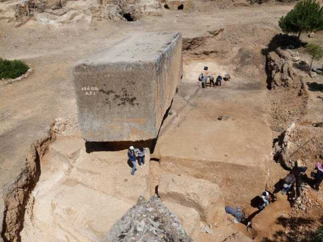 "Wow! 1,650 tons... Largest ""ancient"" stone block discovered in Baalbek 86"