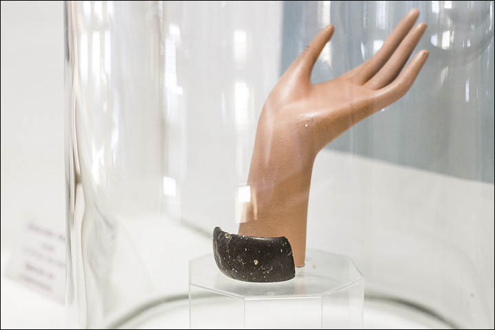 40,000-Year-Old Bracelet Made With Advanced Technology — the Evidence 16