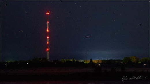 Mysterious red lights spotted over Russia 8