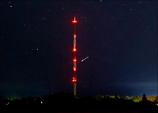 Mysterious red lights spotted over Russia 10