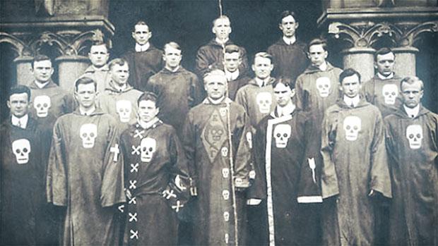 HISTORY OF SECRET SOCIETIES: Knights Templar, Illuminati, Assassins, Freemasons 71