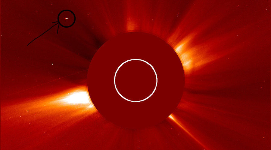 Massive alien mothership 'the size of Idaho' has parked near the Sun: Spotted in NASA images by ufologists 1
