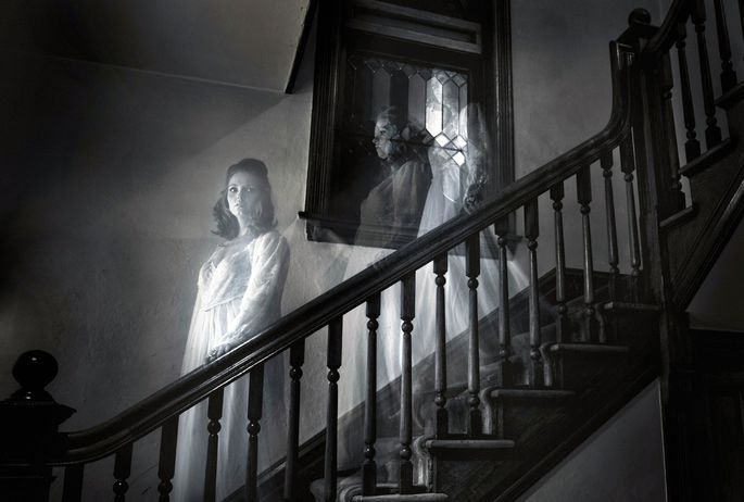 5 Most Common Signs that you're living in a Haunted House 99