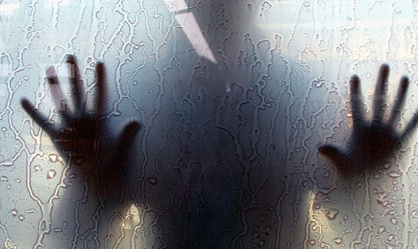 5 Most Common Signs that you're living in a Haunted House 101