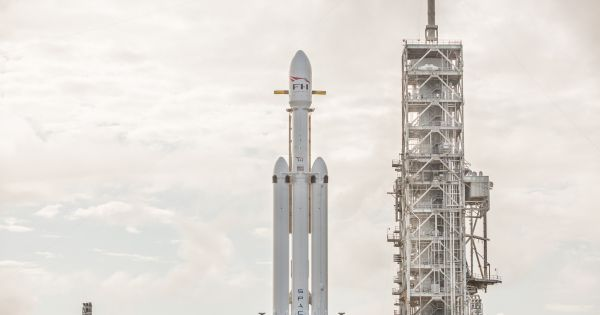 SpaceX's Falcon Heavy Just Received Its Launch License 1