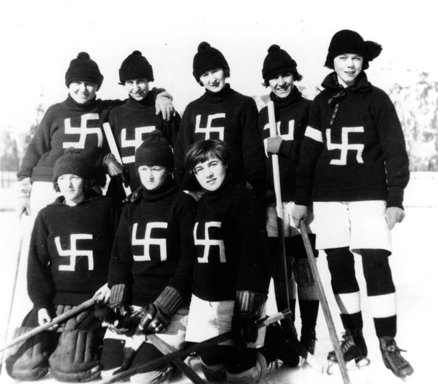 Fernie Swastikas women's hockey team, 1922