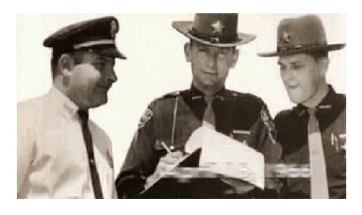 50 years ago, a small town Ohio policeman chased a flying saucer into Pennsylvania… 4