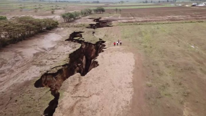 Africa Being Split In Two by Plate Tectonics  10