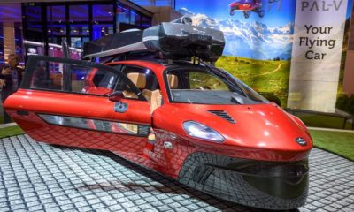 Dutch company unveils flying vehicle at car show 88