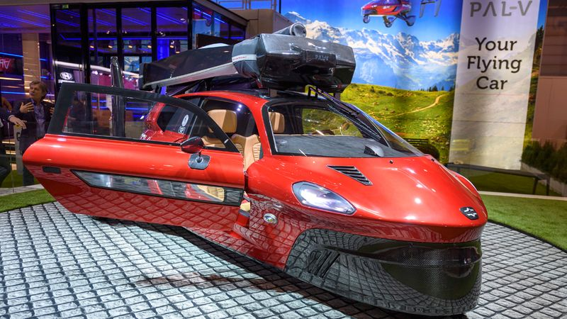 Dutch company unveils flying vehicle at car show 92