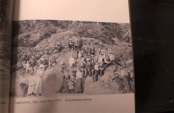 Does this 1917 photo prove time travel is possible? 94
