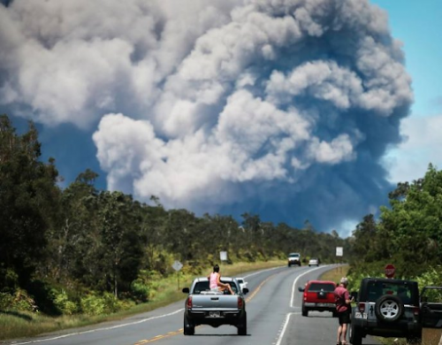 'Explosive Eruption' at Hawaii's Kilauea Volcano Sending Plume Of Ash 30,000 Feet Into Sky 16