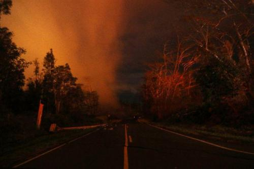'Explosive Eruption' at Hawaii's Kilauea Volcano Sending Plume Of Ash 30,000 Feet Into Sky 19
