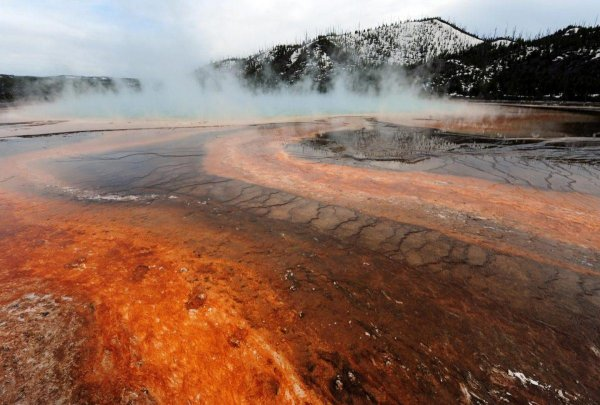 NASA Wants To Spend $3B Drilling Into Yellowstone Volcano, Risking Eruption 27
