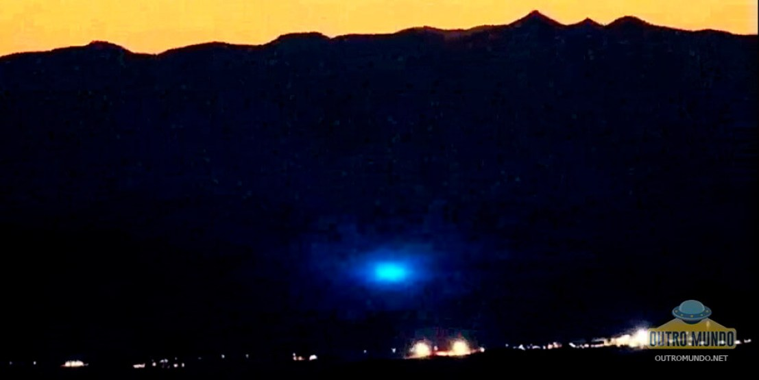 Man camping in the desert and filming bright UFO in Area 51 10