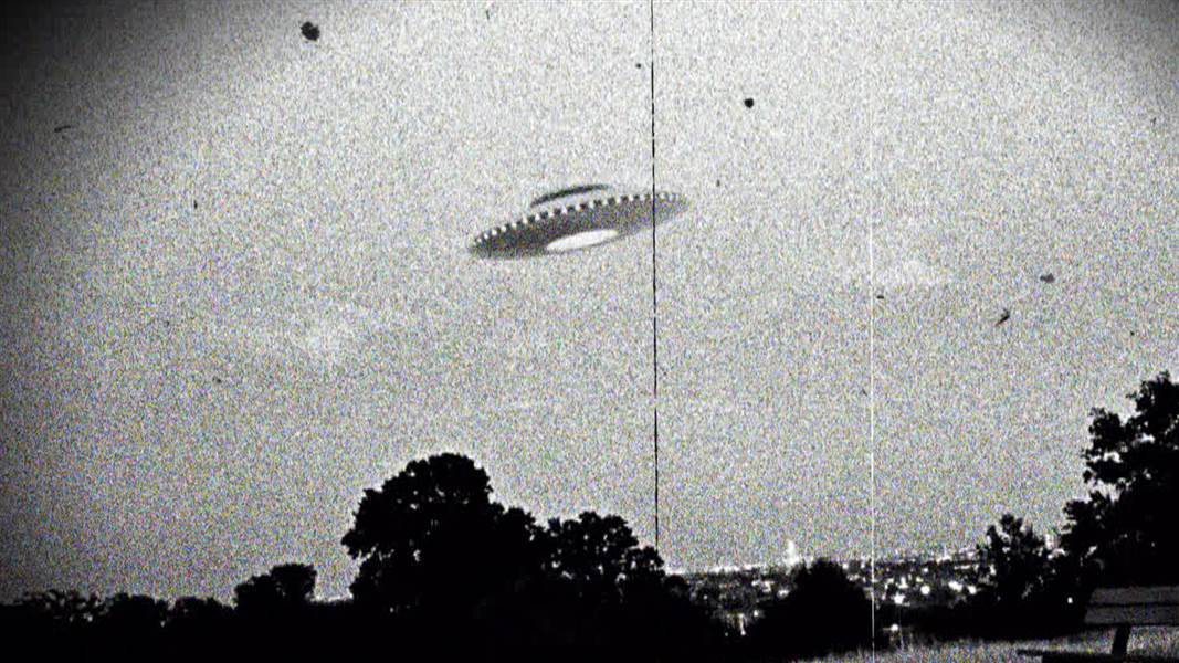 A UFO Sighting the US Navy Can't Explain! 91