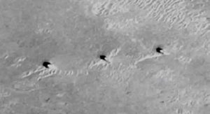 Three Artificial Towers Found In A Row On Mars 91
