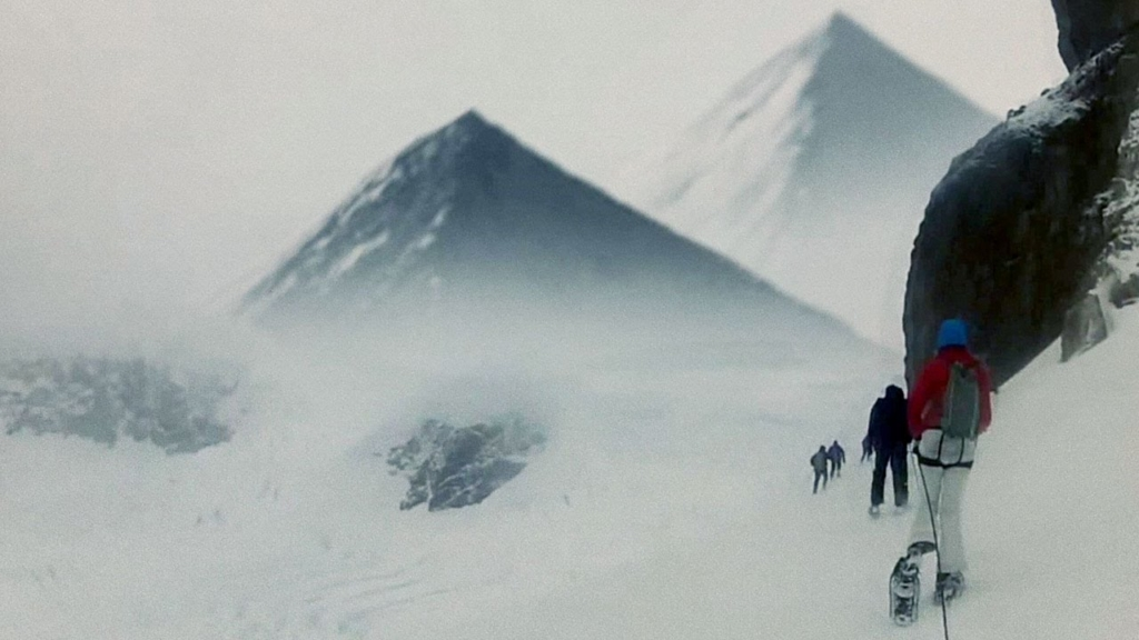 US Marines sent to explore the Three Ancient Pyramids discovered in Antarctica (videos) 14